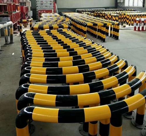 四川M型防撞柱